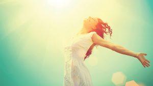La felicidad es momentánea pero tú la haces eterna porque eres mitad mujer mitad sueño.